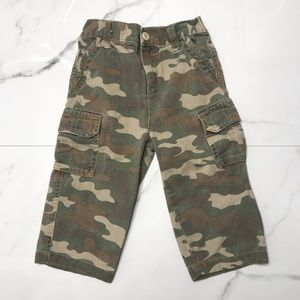 Arizona jean company camouflage cargo pants